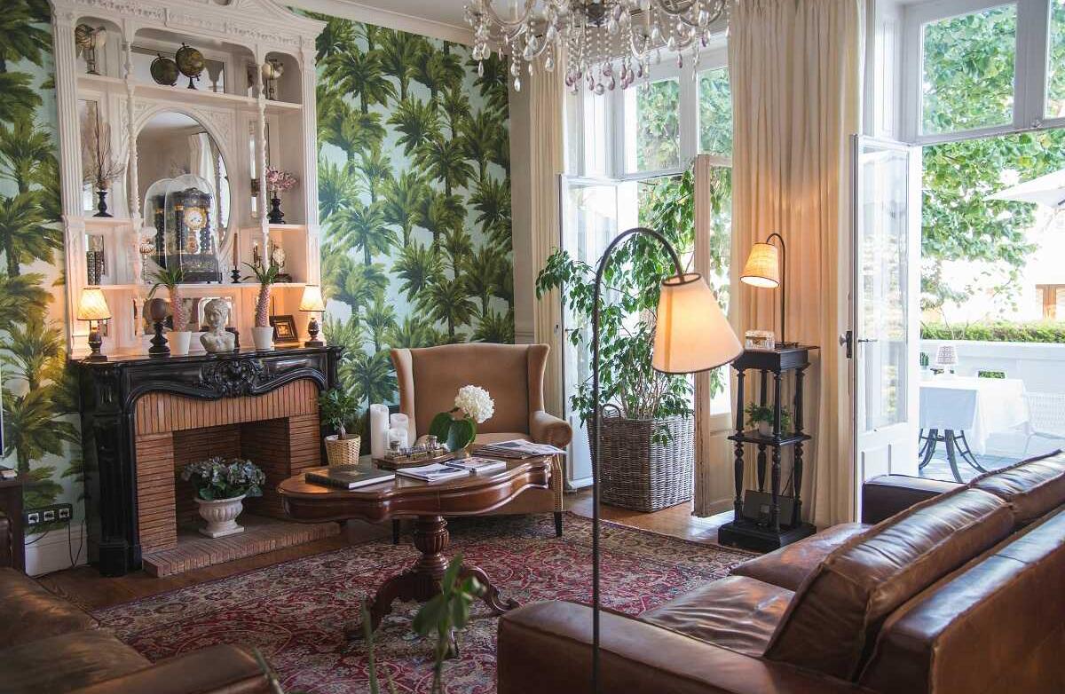 Le salon télévision pour se reposer, hôtel Edouard VII