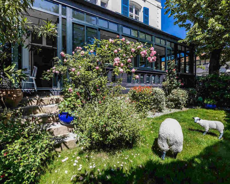Le petit jardin de l'hôtel Edouard VII à Biarritz