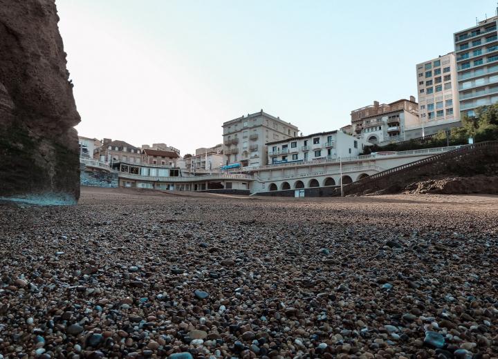 What do in biarritz in autumn ?