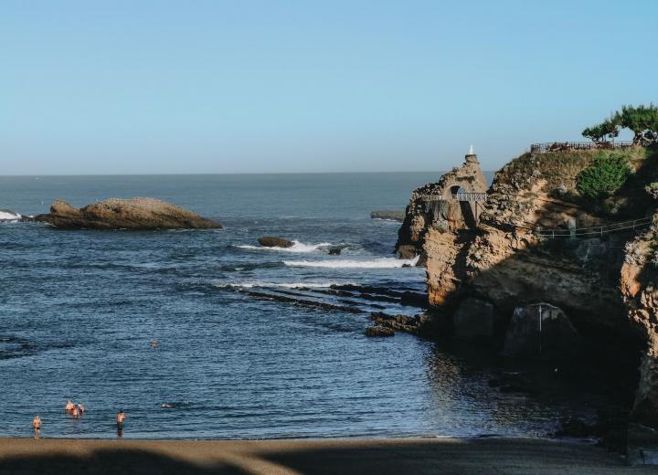 Séjour au Pays Basque vous avez le choix : hôtel de charme, appartements ou villa.